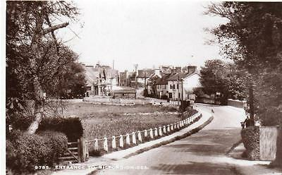 Entrance to Milford-on-Sea unused RP old postcard Sweetman Good