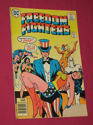 Freedom Fighters #5 Wonder Woman, DC Comics 1976 - Bagged & Boarded