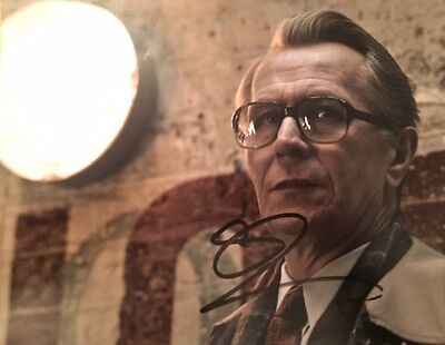 Gary Oldman ~ HAND SIGNED ~ 10x8 photo ~ Tinker Tailor Soldier Spy ~ AUTOGRAPH