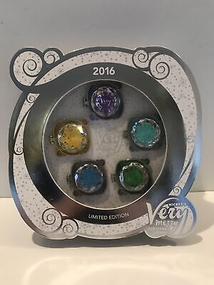 Disney 2016 Mickey's Very Merry Christmas Party Limted Edition 5 Pin Set