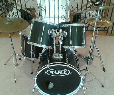 Drum Kit - Pearl Export - Long lug in EXCELLENT Condition