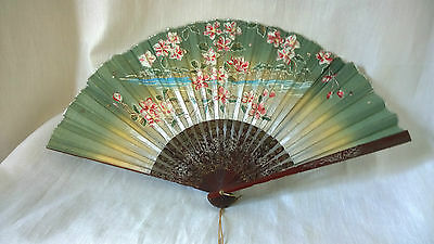 Vintage deco handpainted floral silvered lacquered wood ? chinese paper hand fan