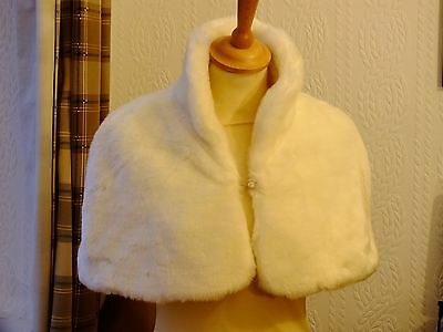 New Ladies Debenhams Debut Cream Faux Fur Wedding Stole / Wrap / Shrug