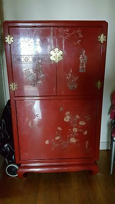 Meuble Chinois laqué - Rouge