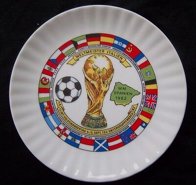 Orig.porcelaine plate  World Cup SPAIN 1982  -  all participant Flags  !  RARE