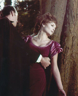 Christopher Lee & Isla Blair UNSIGNED photo - H4017 - Taste the Blood of Dracula