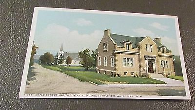 Old Postcard  BETHLEHEM, NEW HAMPSHIRE   { EARLY MAPLE ST. & TOWN BUILDING}