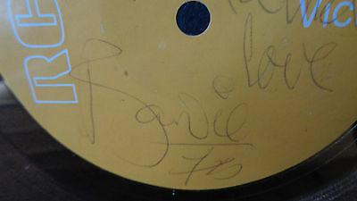 David Bowie Autograph Signed Rca Fame Gold Disc Award 1975.... Very Nice