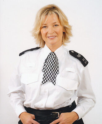 Gillian Taylforth UNSIGNED photo - H4070 - The Bill