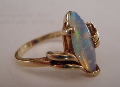 Beautiful Vintage Solid 14K Yellow Gold Handcrafted Opal Ring Sz 5.75