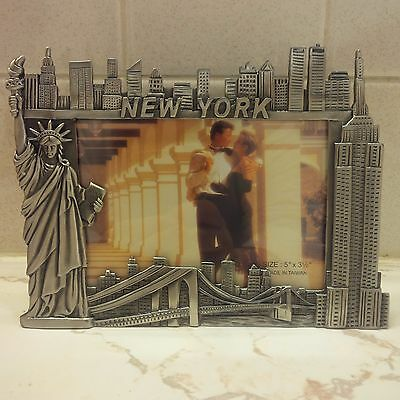 I LOVE NY HEART NEW YORK PICTURE FRAME METAL FITS 5 X 3.5 PICTURE city skyline
