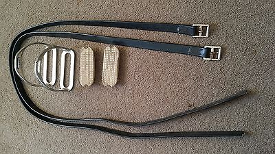 """155cm Synthetic stirrup leathers and 4.5"""" stirrups"""