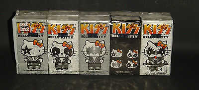 NIP Limited Edition Kiss Hello Kitty Kleenex Tissue Package 10 pack Sealed LE #2