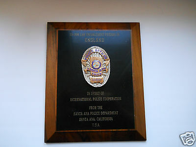 PRESENTATION WOOD PLAQUE POLICE SANTA ANA CALIFORNIA with Obsolete Police Badge
