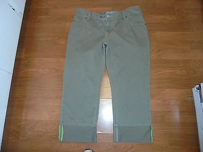 Old Navy Maternity real waist olive green cuffed capris size L