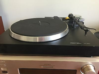 Rotel RP-830 turntable with Ortofon cartridge