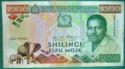 Tanzania 1000 Shillingi Note From 1990, P 22 , Huge Note , Signature 8