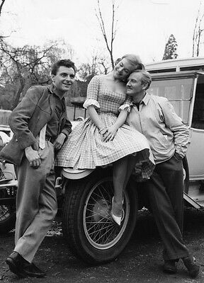 Shirley Eaton, Bob Monkhouse & Leslie Phillips photo -H7208- A Weekend with Lulu