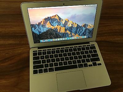 MacBook Air 11 Mid 2012 Excellent Condition! Core i5 1.7ghz / 4GB DDR 3 / 128GB