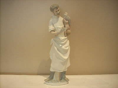 """Lladro """"obstetrician"""" Doctor With Baby"""