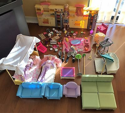 BARBIE FURNITURE 107 pc Lot 2 KITCHENS CanopyBed Chairs Couch 3 Dolls & Acces