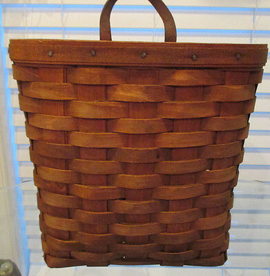 Longaberger Tall key basket with leather loop 1985