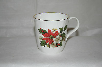 Sadler Wellington Cup, Poinsettia pattern England Bone China Coffee Tea