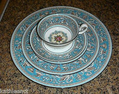 Wedgwood FLORENTINE TURQUOISE 5 Piece Place Setting W2714 (8 Available)