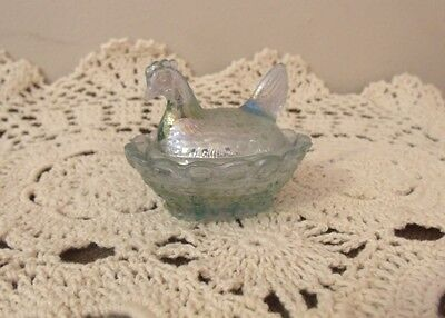 "1995 Boyd Glass Chick Hen on Nest Miniature Salt Dip 2"" Mint Julep Carnival"