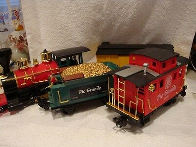 Collectible ~ Scientific Toys ~ D&RGW G Scale Train Cars ~ No Remote Control