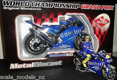 GUILOY 1:6 - ROSSI 2004 YAMAHA - ONLY 1 ON EBAY - VERY RARE + have MINICHAMPS !