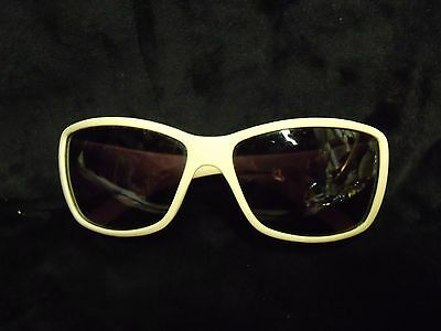 Vintage Pink Plastic Ladie's Sunglasses With 'cc' Logo