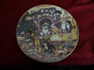 """Cotswold Mint Christmas Chaos cat collectors plate 8 1/2"""""""