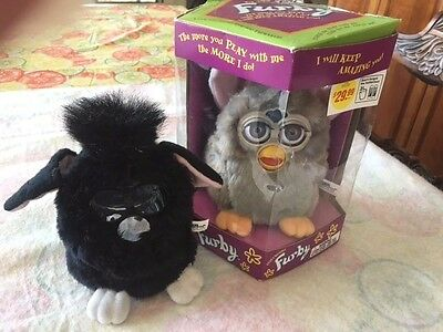 New 1998 Grey/tan Stripes Furby Original Electronic Toy # 70-800 + Outfit. Nrfb!