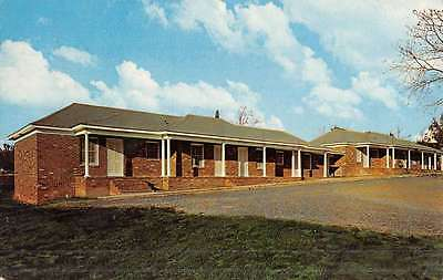 Pageland South Carolina Villager Motel Street View Vintage Postcard K51455