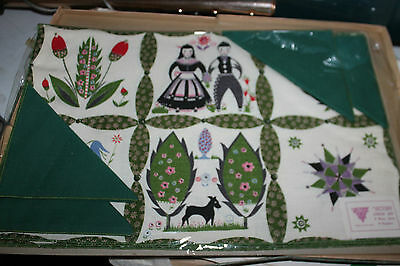Vintage 70's Retro Spring Summer Flowers Victory 4 Placemats + Linen Napkins