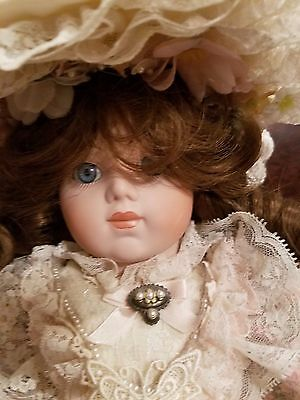 """Beautiful Gorham 1989 20"""" musical Doll with Gorgeous Victorian Dress"""