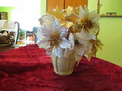 Floral Gold and Whie Center Piece