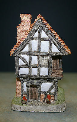 """DAVID WINTER COTTAGES """"Spinner's Cottage"""" Main Collection , 1984, OOP, Retired"""
