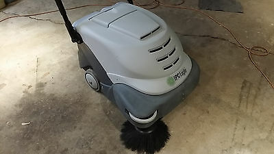IPC Eagle 24 Walk Behind Sweeper vacuum Tennant advance Nobels