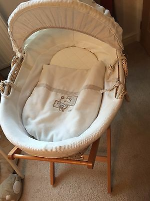 Mamas And Papas Moses Basket With Stand and 2 fitted Sheets - Cream/Neutral