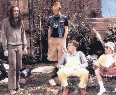 Christopher Ryan, Rik Mayall & Nigel Planer photo - H4376 - The Young Ones