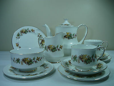 "Royal Standard Tea Set ""lyndale"""