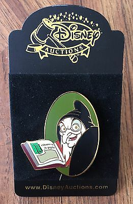 Disney Auctions Snow White Old Hag Spell Book Poison Apple Pin LE 250 NEW NOC