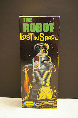 Rare 1968 Aurora 'the Robot' Lost In Space Model Kit - Complete