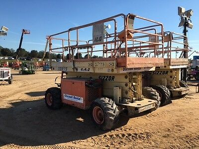 Jlg 33Rts Rough Terrain Scissor Lift 33' Deck  Hgt,39Work Hgt , Dual Fuel Gas/lp