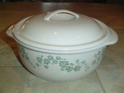 Corelle Callaway Ivy 2.5 Quart Covered Casserole