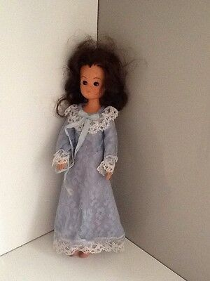 Sindy, vintage Doll 1980s sleepy open/closing eyes, with nightie Clicking Knees