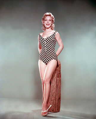 Barbara Eden UNSIGNED photo - H4570 - American film, stage, & television actress