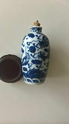 Chinese blue and white snuff bottle dragon chasing the pearl